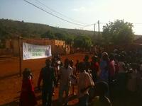 日マリ協力の横断幕